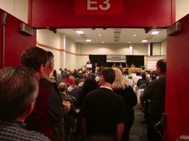 standing-room-only-2014-louisville-manufactured-housing-show-seminar-room-masthead-blog-mhpronews-com-.png
